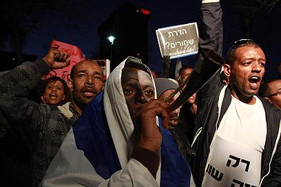 """""""רוצים צדק, לא רוצים צדקה"""", הערב בירושלים (צילום: גיל יוחנן) (צילום: גיל יוחנן)"""