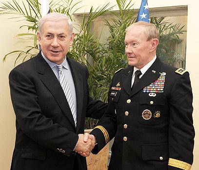Dempsey with Netanyahu (Photo: Moshe Milner, GPO)