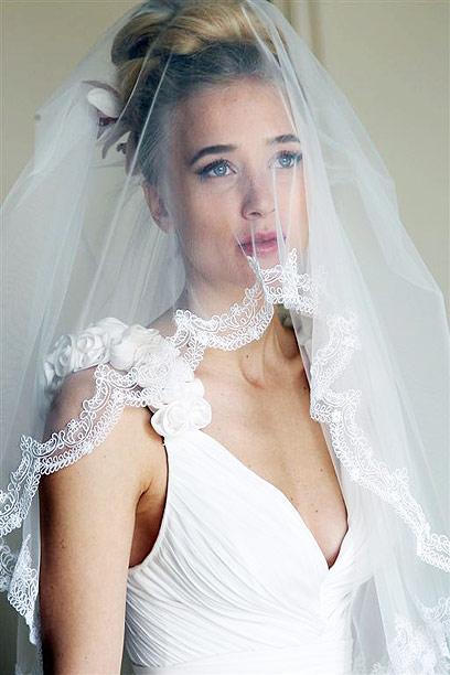 התאימה את השמלה לתסרוקת. דפנה דה גרוט (צילום: רפי דלויה) (צילום: רפי דלויה)