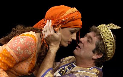 """מתוך """"שלמה המלך ושלמי הסנדלר"""". """"אני פשוט נרגש"""" (צילום: ז'רר אלון)"""