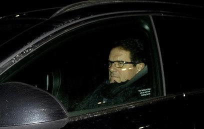 קאפלו יוצא מהפגישה עם ראשי ההתאחדות (צילום: AP) (צילום: AP)
