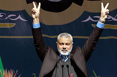 העניק לתושבי עזה מינימום של שירותים. ראש ממשלת חמאס הנייה (צילום: AP)