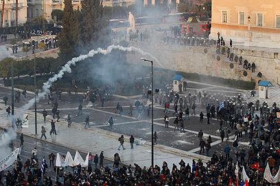 מהומות ביוון על רקע המשבר הכלכלי (צילום: רויטרס) (צילום: רויטרס)