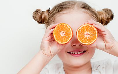 פירות הדר מכילים ריכוז גבוה של ויטמין C (צילום: shutterstock) (צילום: shutterstock)
