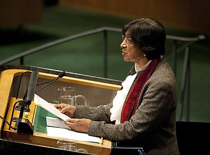 """גם היא נכנעה ללא קרב? נציבת האו""""ם לנושאי זכויות האדם, נאבי פיליי (צילום: AFP)"""