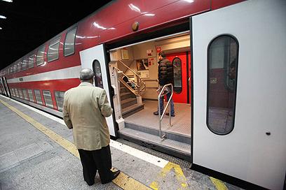 רכבות אחרונות עד להודעה חדשה (צילום: מוטי קמחי) (צילום: מוטי קמחי)