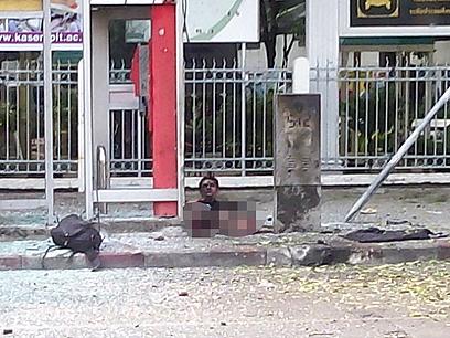 איבד את שתי רגליו בפיצוץ השני. המחבל האיראני (צילום: טויטר CC motorcyrubjang) (צילום: טויטר CC motorcyrubjang)