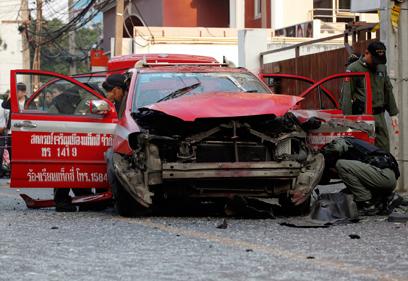 זירת הפיצוץ בבנגקוק (צילום: רויטרס) (צילום: רויטרס)
