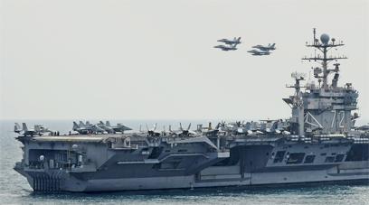 נושאת מטוסים אמריקנית במצר הורמוז (צילום: EPA) (צילום: EPA)