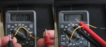 """מדידת התנגדות של חוט חשמל. מימין התנגדות """"אינסופית"""", משמאל """"קצר""""  (צילום: עידו גנדל) (צילום: עידו גנדל)"""