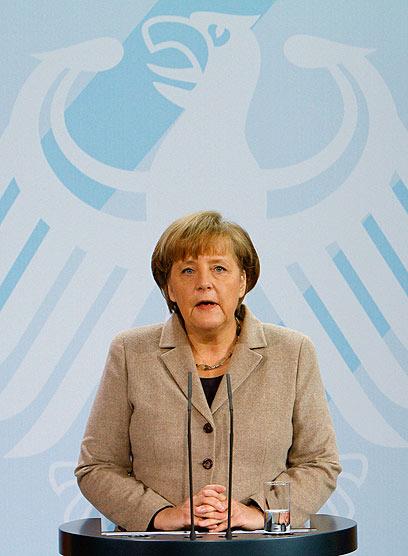 מבוכה גדולה לפטרונית. אנגלה מרקל (צילום: AFP) (צילום: AFP)