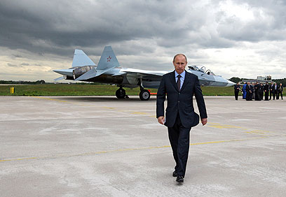 600 מטוסי קרב נוספים לצבא. פוטין בסלון האווירי בזוקובסקי (צילום: AP) (צילום: AP)