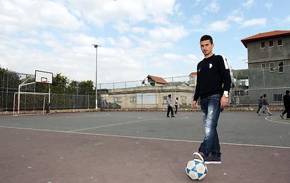 שיחק בג'אבל מוכאבר ברשות הפלסטינית. חטיב (צילום: גיל נחשותן)