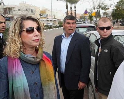"""הרמטכ""""ל לשעבר ורעייתו בשדרות אשכנזי (צילום: מוטי קמחי) (צילום: מוטי קמחי)"""