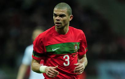 פפה במדי נבחרת פורטוגל. גם שם הוא נחשב לקשוח (צילום: Gettyimages) (צילום: Gettyimages)