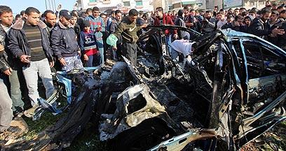 רכבו של קייסי שהופצץ. יזם פיגוע גדול בקרוב (צילום: EPA) (צילום: EPA)