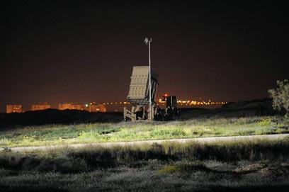 """""""כיפת ברזל"""" יירטה אחת הרקטות שנורו לבאר שבע (צילום: ישראל יוסף)"""