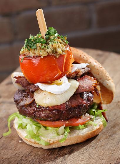 בומבה של טעם וגודל. ההמבורגר של מיטבול (צילום: דן פרץ)