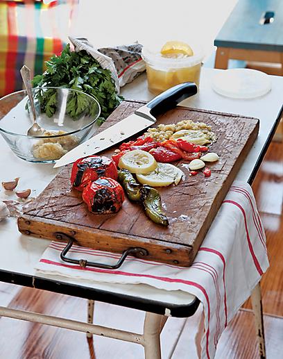 בדרך להיות משוויה. ירקות קלויים וכוסברה (צילום: דניה ויינר)