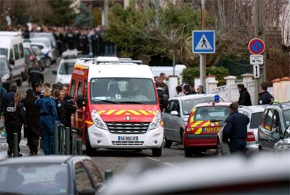 זירת הפיגוע בטולוז (צילום: AP) (צילום: AP)