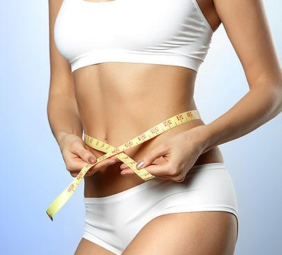 קודם בדיקת מסת הגוף, ואחר כך פרסומות    (צילום: shutterstock)
