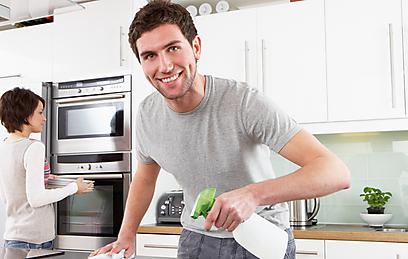 עובדי משק בית? יש לכם זכויות (צילום: shutterstock) (צילום: shutterstock)