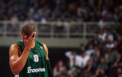 מייק באטיסט. פנאתינייקוס תנסה להשוות ל-1:1 ביום חמישי (צילום: AFP) (צילום: AFP)
