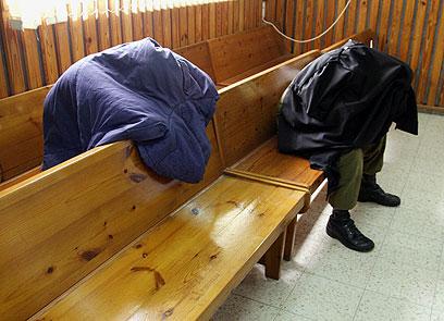 """""""המפקדים ידעו"""". אחד החיילים החשודים בהתעללות בגבעתי (צילום: רועי עידן) (צילום: רועי עידן)"""