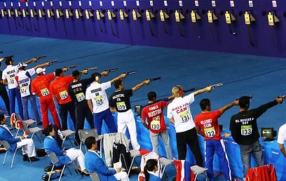בין המקצועות בקרב חמש גם אקדח אוויר מ-10 מ' (צילום: Gettyimages) (צילום: Gettyimages)