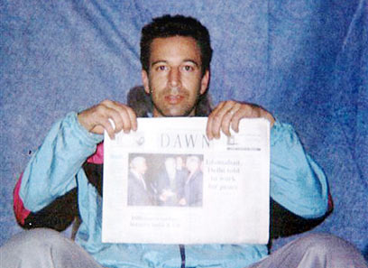 The photo posted by Daniel Pearl's abductors just before they murdered him. (Photo: AP)