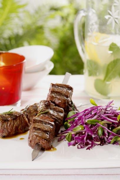 אל תשכחו לאכול ירקות יחד עם הבשר (צילום: דניה ויינר) (צילום: דניה ויינר)