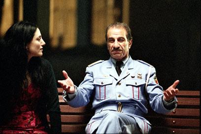 גבאי בתפקיד מנהל תזמורת המשטרה המצרית בסרטו של ערן קולירין ()