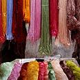חוטי משי בשוק בשנגחאי, סין