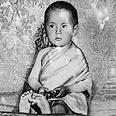 הדלאי למה נבחר בהיותו תינוק. בתמונה, הדלאי למה ה-14 טנזין גיאצו בגיל 5