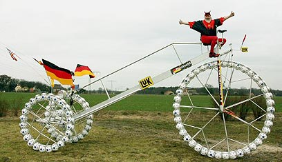 אופניים בהשראת אופניי פני ורבע (צילום: רויטרס) (צילום: רויטרס)