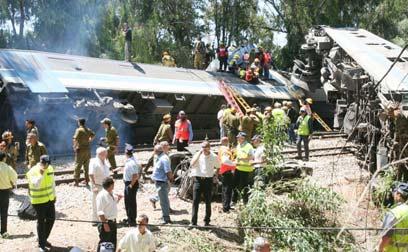 התאונה בבית יהושע ב-2006: חמישה הרוגים, יותר מ-80 נפגעים (צילום: עופר עמרם)