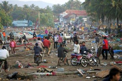 הרס באינדונזיה לאחר הצונאמי (צילום: איי פי) (צילום: איי פי)