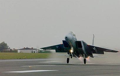 """מטוס F-15 של חיל האוויר. הטקס ב-1976 גלש לשבת (צילום: דובר צה""""ל) (צילום: דובר צה"""