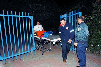 כוחות החירום מגיעים לזירת הרצח. היו כיוונים שלא נחקרו? (צילום: אביהו שפירא) (צילום: אביהו שפירא)