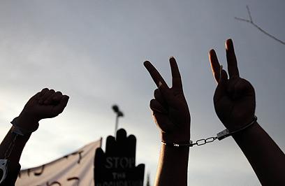 נעצרים, נחקרים ולא יודעים שזכאים לייצוג. אילוסטרציה (צילום: AFP) (צילום: AFP)