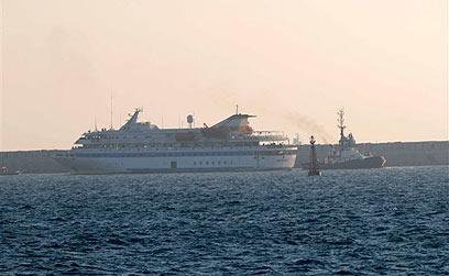המרמרה נררת לנמל אשדוד ב-2010 (צילום: אבי רוקח) (צילום: אבי רוקח)