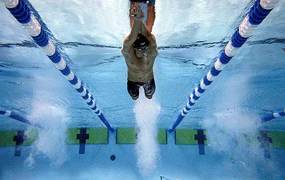 פלפס במבט תת ימי (צילום: רויטרס) (צילום: רויטרס)