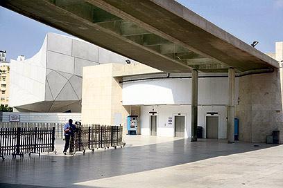 התיאטרון הקאמרי בתל-אביב. הפחת של 10%-15% (צילום: תומי הרפז) (צילום: תומי הרפז)