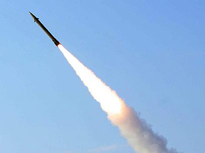 איזה דגם היה במשלוח? רקטת פאתח 110 (צילום: AFP) (צילום: AFP)