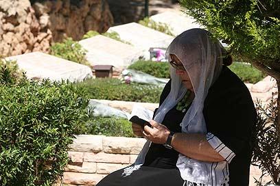 עד היום התמקדנו באבלו של הפרט. קברים בהר הרצל. ארכיון (צילום: גיל יוחנן) (צילום: גיל יוחנן)