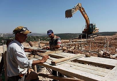 Settlement construction (Archive photo: Reuters)