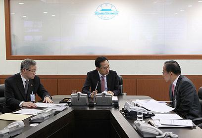 דרום קוריאה: מהפיכת האשראי הצילה את העסקים הקטנים (צילום: AFP)
