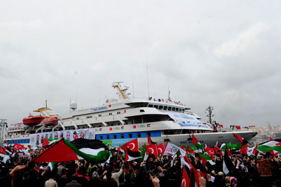 The Mavi Marmara returns to Istanbul (Photo: AFP)