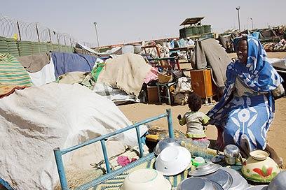 """מחנה פליטים של האו""""ם בצפון דרפור שבסודן (צילום: AFP/HO/UNAMID/OLIVIER CHASSOT) (צילום: AFP/HO/UNAMID/OLIVIER CHASSOT)"""