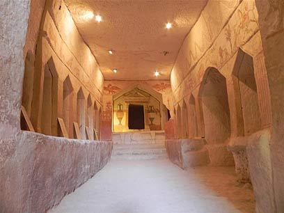 Погребальная пещера сидонян. Фото: Зив Райнштейн
